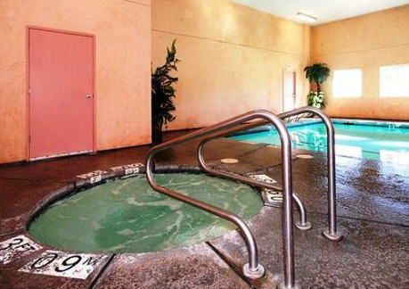 173P3The Comfort Inn offers a quiet environment, heated indoor pool and a jacuzzi for our guests enj