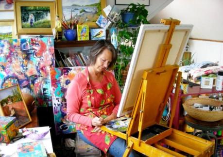 3621PSusan Cooper at work in her Fortuna Studio.jpg