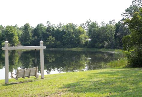 Mirror Lake Park Bench TDA