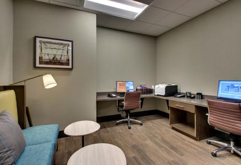 Hampton Inn and Suites_bussiness center