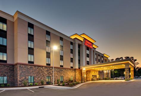 Hampton Inn and Suites_exterior_2