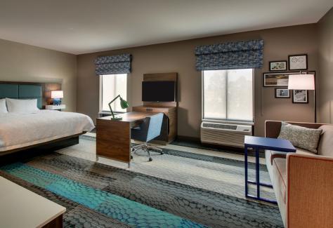 Hampton Inn and Suites_room