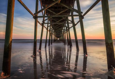 oak_island_accommodations_pier