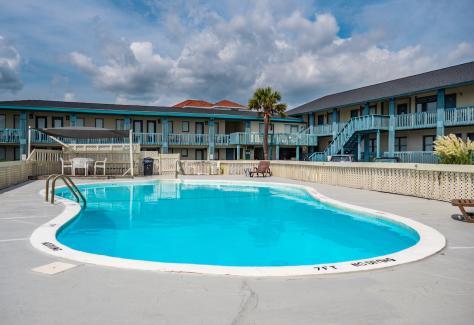 The Beach House at Oak Island pool 2