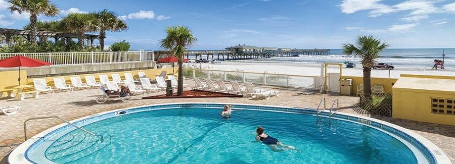 An inviting oceanfront pool in Daytona Beach