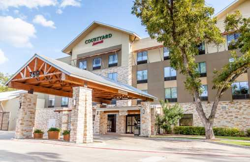 Courtyard by Marriott River Village
