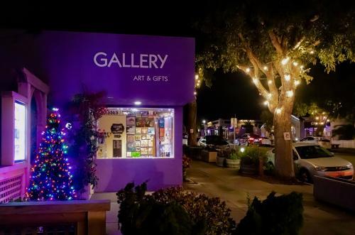 Art Center MB Holiday Tree