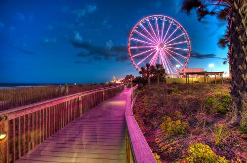 Boardwalk Skywheel Sunset