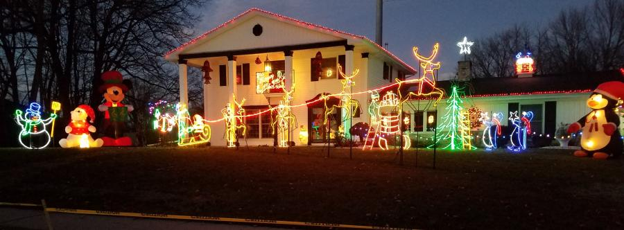 Kings Crossing Holiday Display - Best Christmas Lights Display in Fort Wayne, Indiana