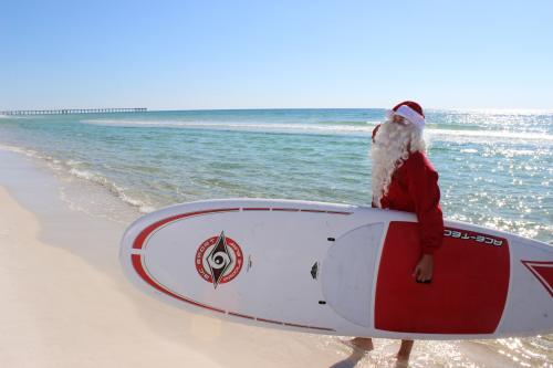 Santa paddleboard