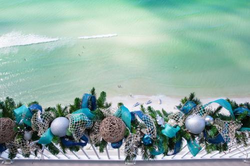 An Emerald Coast Christmas