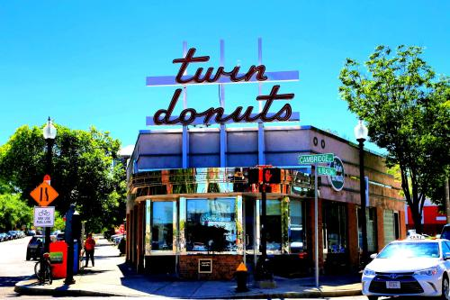 Twin Donuts