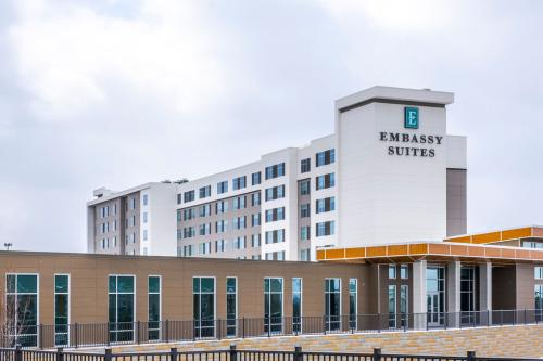 Embassy Suites Hotel & Conference Center in Plainfield, Indiana near IND