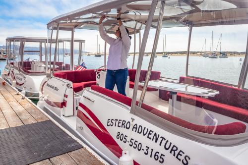 Electric Boat - Estero Adventures