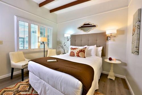 Pleasant_room.jpg