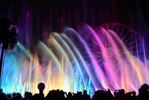 World of Color lights the night at Disney California Adventure! (Photo courtesy of Brandon Le / Flickr)