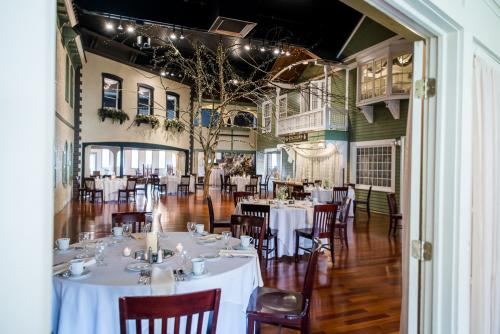 Longfellows Wedding & Events