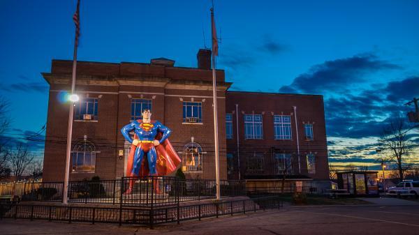 Superman Statue - Metropolis