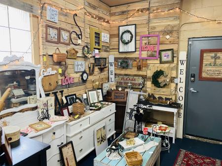 Outta the Shed, Plainfield, Vintage, Shop, Antique