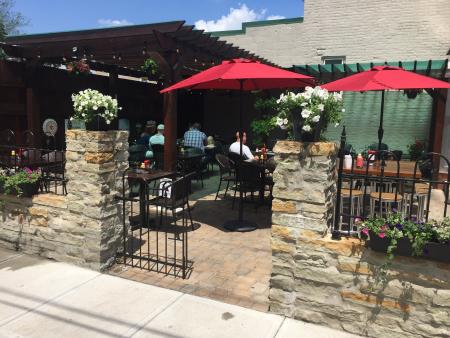 obryons bar and grill newport patio
