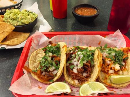 photo of three tacos at la mexicana in newport ky