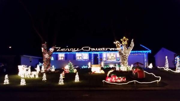 Tyland Blvd Christmas Lights Display - Fort Wayne, IN