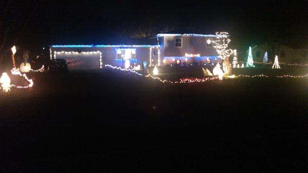 5233 Woodway Dr - Best Christmas Light Displays - EAST - Fort Wayne