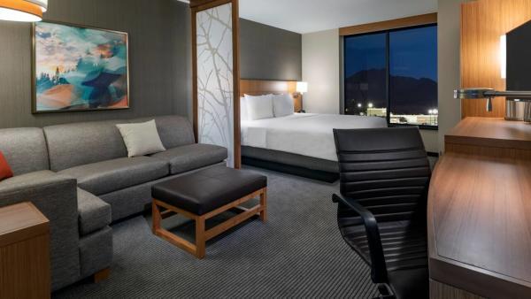 Hyatt Bed