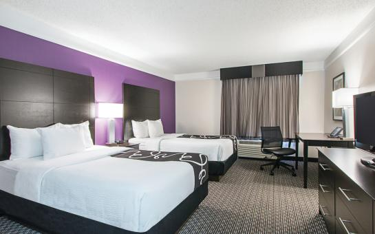 Newly renovated rooms with two beds La Quinta Round Rock South