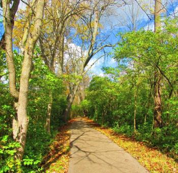 Kiwanis Riverway Park Pathway
