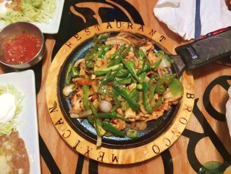 Bronco Mexican Grill - Fajitas