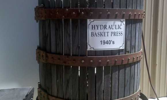 Hydraulic Basket Press.jpg