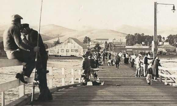 Cayucos_Pier_1940s_thumb0.jpg