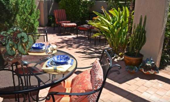 Courtyard table set.jpg