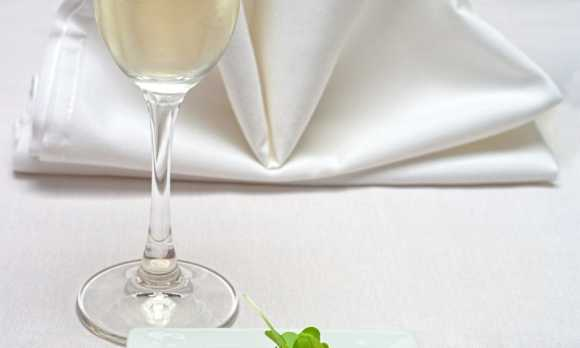 all guests are greeted with complimentary champagne and ahi tartare.jpg