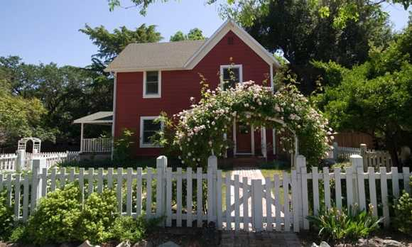 House Emily's Picket Fence WEB.jpg