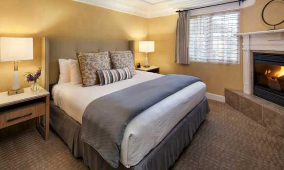 pelican-inn-cambria-hotel.jpg