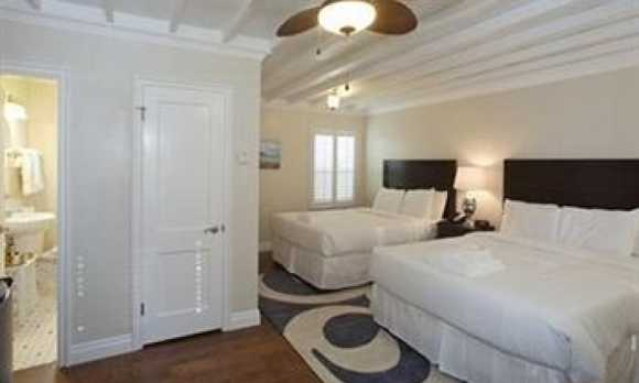 Room Perigrine Dunes.jpg