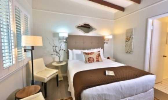 rm10 bedroom.jpg