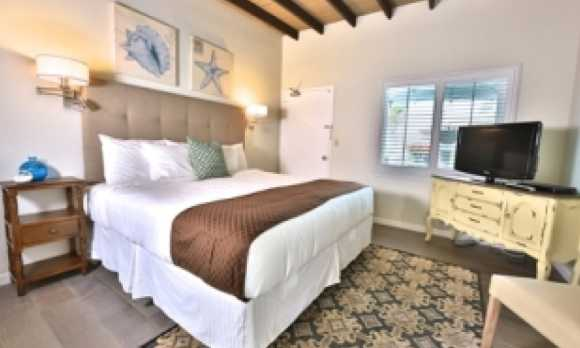 rm2 bedroom.jpg