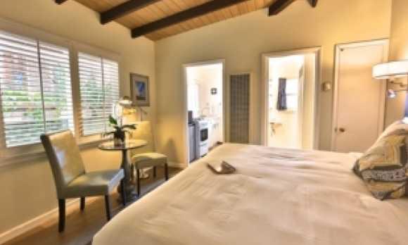 rm4 bedroom.jpg