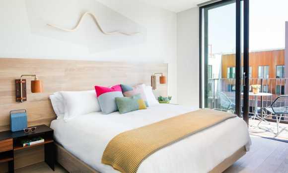 Hotel San Luis Obispo Guestroom