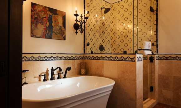 Luxurious Private Baths at La Lomita Ranch