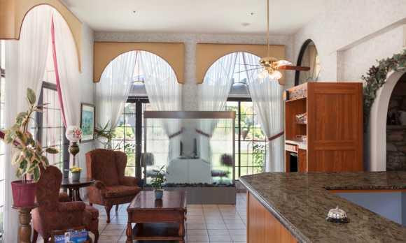 Sands Inn and Suites San Luis Obispo Lobby