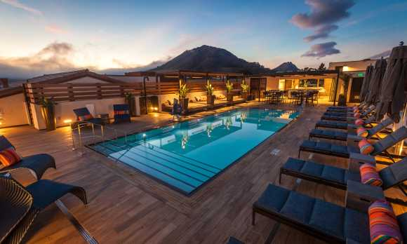 Rooftop Pool Deck and Bar