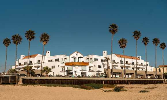 Sandcastle Hotel on the Beach Exterior