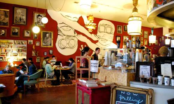 KREUZBERG SLO coffee shop inside