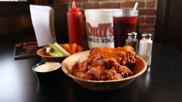 Buffalo Wing Trail, Duff's Famous Wings