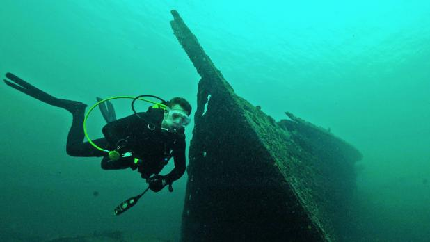 Hunt's Dive excursions in the St. Lawrence River