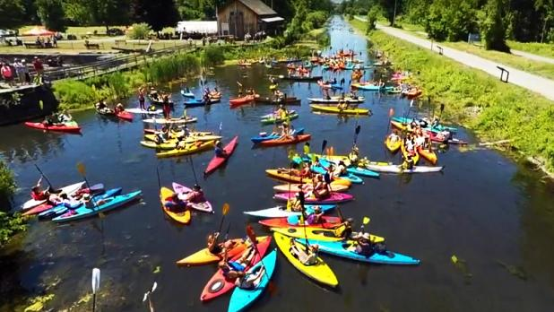 Kayaks on Erie Canal for Boat Float & Bash